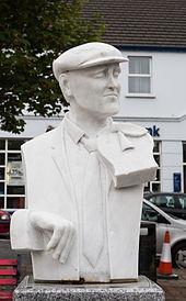 Ardara_Sculpture_of_John_Doherty_by_Redmond_Herrity_2014_09_05